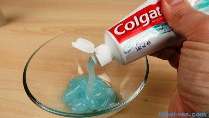 Из зубной пасты и клея ПВА