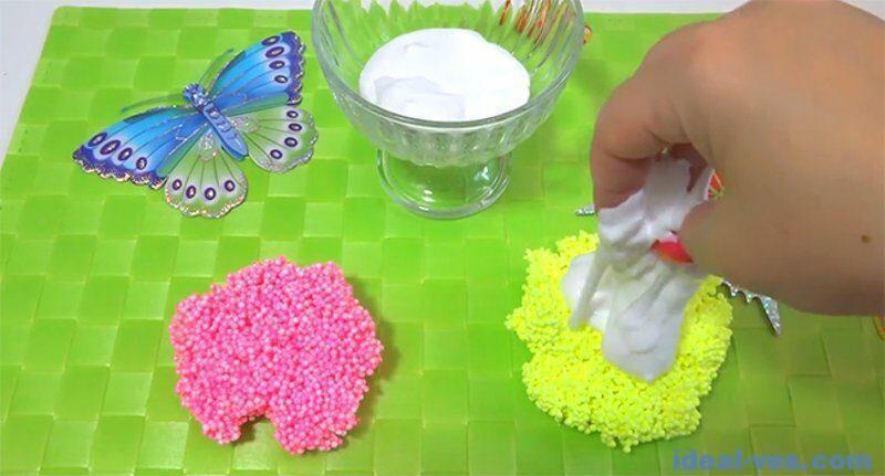 Размять шариковый пластилин