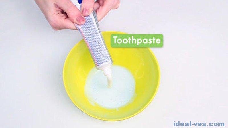 Добавляем зубную пасту